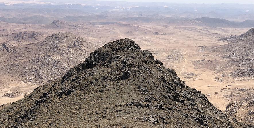 The strange blackened peak of Jabal Maqla.